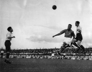 International football match between India and China at Calcutta. Photograph. Around 1935.